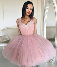 Wholesale Winter Girl Cute Images - Blush Pink Cute 8TH Grade Girls Homecoming Graduation Party Dress V Neck Sleeveless Appliques Dress Puffy Ball Gown Short Bridesmaid Dresses