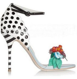 Wholesale Dress Spotted - SexeMara 2017 Multicolor Flower Lady Corsage Sandals Fashion Women Gladiator High Heels Shoes Adorable Polka-Dot Spotted heeled