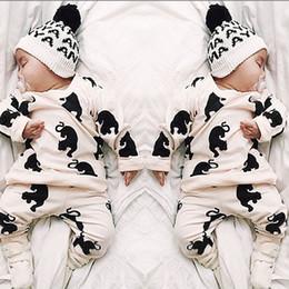chándal niño al por mayor Rebajas Ropa de bebé Ropa de niña Ropa de otoño Traje de invierno para niños Chirldren Niño Pijamas Chándal Venta al por mayor Recién nacido Niño Legging Pantalones Camisa Sombrero