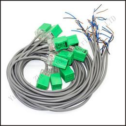 Sensores de capacitancia online-5PCS Fotek Interruptores de proximidad Sensor PL-05P 5mm PNP salida DC10-30V Normal abierto NO NUEVO sensor de capacitancia Sensor analógico