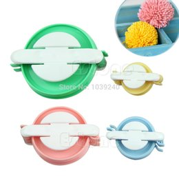 Wholesale Craft Pompoms - New 4 Sizes Pompom Maker Fluff Ball Weaver Needle Craft Knitting Wool Tool DIY Set Hot Selling