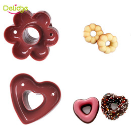 Wholesale Cake Making Tools Flowers - Delidge20 pc Heart Flower Donuts Mold Food -Grade Plastic Doughnuts Making Cutter Fondant Cake Bread Desserts Bakery Mould