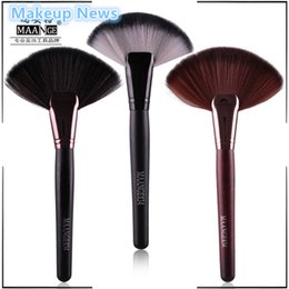 Wholesale Colors News - Wholesale-1pc Soft Makeup 3 colors maange Large Fan Brush Blush Powder Foundation Make Up Tool big fan Cosmetics brushes nake News