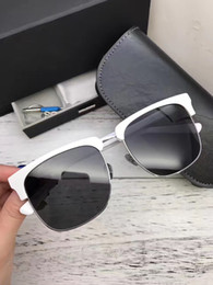 Wholesale Contact Frames - 2017 Courage Sunglasses black Frame Sparking women Square Sun Glasses Hot Brand Women Desiger with Big Logo If you want other can contact me