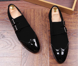 Wholesale Pageant Slips - New Men luxury Designer Bullock belt buckle Casual Shoes Loafers Gold Black Wedding Homecoming Pageant Dress Shoes Moccasins