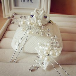 Wholesale Wholesale Silver Headpins - Hair Flowers White Headpieces Pearls Bridal Headpins 2017 Crystal Leaves Wedding Accessory Jewelry Beautiful Tiaras Free Shipping 2016