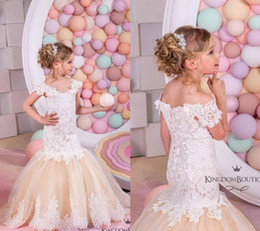 Wholesale Dress Pretty Flower Girl - Pretty 2017 Lace Flower Girls Dresses Mermaid Off Shoulder Ruffles Puffy Tulle Capped Sleeves First Communion Pageant Gowns for Kids