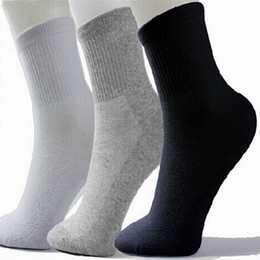 Wholesale Men Socks Huf - Hot Men Athletic Socks Sport Basketball Long Cotton Socks Male Spring Summer Running Cool Soild Mesh Socks For All Size free shipping