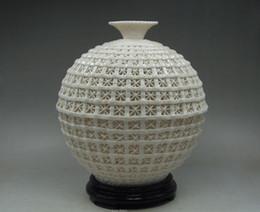 Wholesale Collectibles Antiques - Collectibles Elegant Decorated Handwork Porcelain Carving Hollow Out Vase gd3203