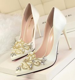 Wholesale Dress Pumps Rhinestone - New Listing womens fashion Satin Rhinestone Wedding Shoes High Heels, sexy Pointed Toe Pumps Woman Shoes 6 Color 10cm high heels 41