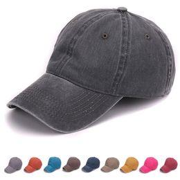 Nova Moda Simples tingida areia lavada tampão de algodão macio em branco  bonés de beisebol pai chapéu nenhum bordado mens cap chapéu para homens e  mulheres 4433b9fb619