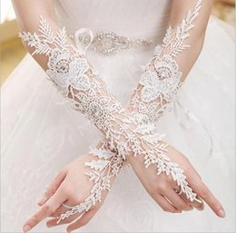 Wholesale gloves prices - Cheap Price White Brides Gloves Elbow Length Lace Crystals Wedding Glove Appliqued Fingerless Hot Selling 2017