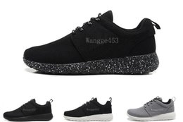 Wholesale light running shoes free - Free Shipping Top quality 2018 Run Shoes Women and Men run black and white one runing running shoes sneakers size 36-45