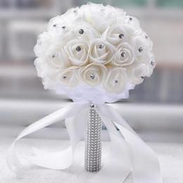 Wholesale Vente chaude Belle Blanc Ivoire De Mariée Demoiselle D honneur Fleur De Mariage Bouquet De Fleurs Artificielles Rose Bouquet De Cristal De Mariée Bouquets