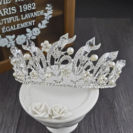 Wholesale Crystal Rhinestone Vintage Headpiece - New Arrival Vintage Baroque Queen Ocicles Big Crown for Bride 2017 Fashion Glitter Crystals Pearls Wedding Bridal Tiaras and Headpieces