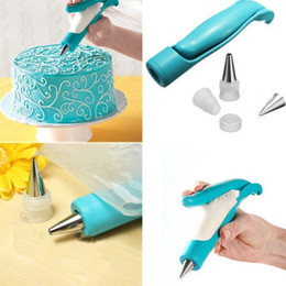 Wholesale Disposable Icing Piping Bags - Wholesale- Nozzles Set Tool Dessert Decorators Cake Decorating Icing Piping Cream Syringe Tips Muffin Cake Pastry Pen Bag