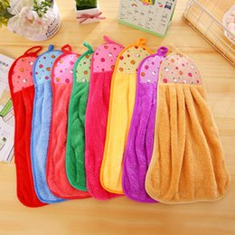Wholesale Wholesale Kitchen Towels Dishcloths - Coral Fleece Kitchen Towels Mini Absorbent Hand Towel Hanging Type Towel Thickened Dishcloth 33*43CM Perfect For Family
