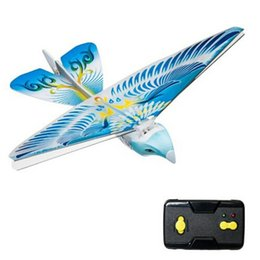 Wholesale Remote Controlled Flying Birds - Wholesale-Hot Selling Flying Avitron Bionic Blue Bird Ornithopter RC Remote Control Toy PVC Flying Bird Great RC Flying Toys For Children