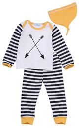 Bambini Baby Girl Boy Abbigliamento Top a righe T-shirt Tee Toddlers Doll Tank Top Harm Pants Cappelli Pigiama Set Outfit Abbigliamento Tuta infantile da