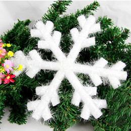 Wholesale Christmas Hanging Snowflakes Ceiling Party Ornaments White Glitter Planar Snowflake Ornaments On String Hanger For Decorating