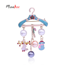 Wholesale Pearl Hangers - Wholesale- Fashion Gold Metal Hanger Shape Christmas Brooches Enamel Deer Snowman Charm Imitation Pearl Pins For Women Christmas Gifts