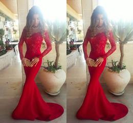 Celebridade vestidos myriam tarifas on-line-Laço vermelho Fora Do Ombro Sereia Vermelho Vestidos de Noite 2017 Elegante Mangas Compridas Lace Satin Myriam Fares Celebridade Vestidos de Baile Trem Da Varredura
