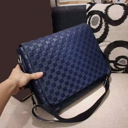 Wholesale Pocket Magnetic - DISTRICT PM With its magnetic closure and zipped pocket on the back messenger men shoulder bag casual crossbody purse day clutch