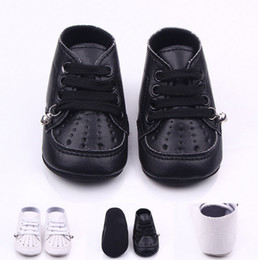 Wholesale Plastic Baby Walker - Solid Cute Baby Newborn Shoes Prewalkers First Walkers Boys Girls Toddlers Fashion leather with Bell