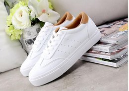 Wholesale R 35 - New Women Shoes Moccasins Mother Loafers Soft Leisure Flats Female Driving Casual Footwea r European shoe size: 35-39