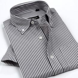 2019 оксфорд рубашки стиль мужчины Wholesale- New Arrival Men's Classic Style Non-Iron Oxford Shirts Plaid/Striped Short Sleeve Casual Shirt High Quality  Clothing дешево оксфорд рубашки стиль мужчины