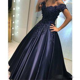Wholesale sexy woman silk wear - 2018 Fashion Women Dresses Evening Wear Vestidos De Noite Para A Festa Off the Shoulders Ball Gown Satin Prom Dresses Formal Party Gowns