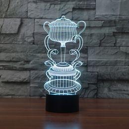 Cambio de color de luz led táctil online-Envío gratis creativo 3D Copa de trofeos LED luz de la noche 7 cambio de color táctil de la lámpara de humor decoración luz para Bar regalo de cumpleaños