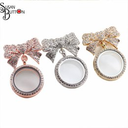 Wholesale Rhinestone Bowknot Necklace - 6pcs lot Mix 3 Colors 30mm Round Pendnat Necklace Rhinestone Magnetic Memory Locket Pendant Floating Locket Bowknot Brooch Charms Pendant