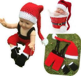 3ddefa0f8715f Nouveau-né Photographie Props Santa Outfit De Noël Costume Crochet Tenues  Bébé Photographie Props Infantile Bébé Costumes Chapeau D hiver