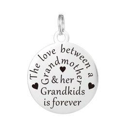 Collier de grand-mère de charme estampillé à la main Bijoux de pendentif personnalisé - L'amour entre une grand-mère et ses petits-enfants est pour toujours ? partir de fabricateur