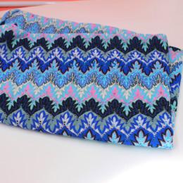 Tecido de malha crocheted on-line-YACKALASI 5 Metros / lote Missoni Tecidos Renda Tira Onda Crochet Tecido De Malha De Malha Diy Moda Pano Folha De Bordo 155 CM de Largura