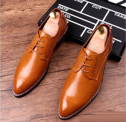 Wholesale Oxford Brogue Shoes - New Arrival Men Blue Dress Shoes Fashion Round Toe Lace Up Black Brogue Shoes For Man Leather Shoes Breathable Brown