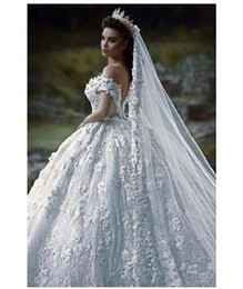 Wholesale Off White Lace Veil - Top quality wedding dress contain petticoat and veil