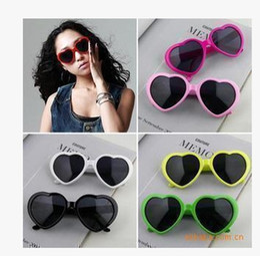 Wholesale Lolita Sunglasses Wholesale - Lovely heart-shaped sunglasses and trendsetter modeling love glasses Lolita summer candy color heart Sunglasses