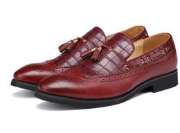 2017 Hommes chaussures de mode chaussures Vintage sculpté en cuir véritable plateforme causale chaussure Brogue chaussures oxfords livraison gratuite DH26 ? partir de fabricateur