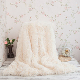 Canada Vente en gros- WINLIFE Super Doux Long Shaggy Fuzzy Fourrure Faux Fourrure Chaud Élégant Confortable Avec Fluffy Sherpa Throw Couverture cheap wholesale cozy blankets Offre