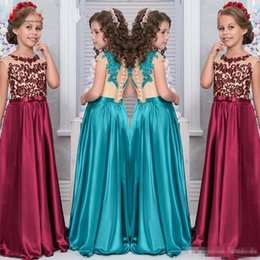 Wholesale Modest Lace Flower Girl Dresses for Weddings Party Sheer Tank Sleeveless Appliques Satin Little Girls Prom Party Gowns Pageant Dress