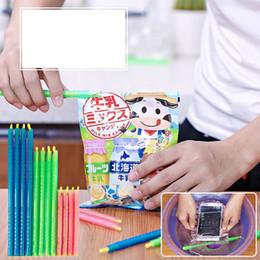 Wholesale bag sealing sticks - Plastic Seal Up Stick Magic Keep Fresh Bag Clips Great Helper Storage Sticks For Home Kitchen Tool 0 42zx5 B