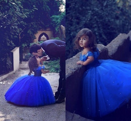 Wholesale cute off shoulder dresses - Royal Blue Cute Flower Girls Dresses For Weddings Off The Shoulder Appliques Beads Ball Gown Girls Pageant Dress Tulle First Communion Dress