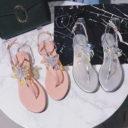 Lindas sandálias on-line-Luxo De Cristal Flor Sandália Plana À Moda Rosa de Prata Thong Sandália Para As Meninas Da Praia Belo Verão Sapato Sandália