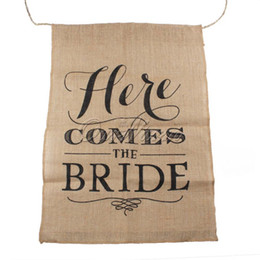 Wholesale Flag String Banner - Wholesale-Hot Khaki Here Comes the Bride Natural Jute Fabric Burlap Banner Flags for Wedding Decoration 110cm String