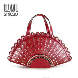 Wholesale Pandora Tote - factory sales brand handbag new winter palace and hollow gold pattern ladies handbag Handmade Ladies Handbag Satchel carved fan