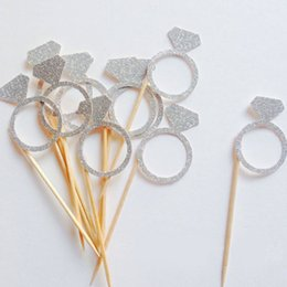 Wholesale Cupcake Cases Supplies - Wholesale- Lincaier 40pcs Paper Silver Gold Diamond Ring Cupcake Toppers Wrapper Cases Liners Wedding Party Decorations Supplies