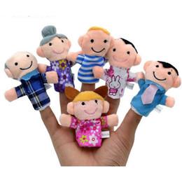 brinquedos agrícolas por atacado Desconto 6 membro diferente da família de pelúcia macia fantoche brinquedos crianças presente dedo bonecas bebê recheado dedo brinquedos de natal brinquedos de pelúcia navio livre