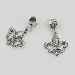 Wholesale Fleur Lis Silver Pendant - Hot Sales ! 100pcs Antique Silver Zinc Alloy Fleur De Lis Dangle Charms Pendants DIY Making 31.5 x 18mm